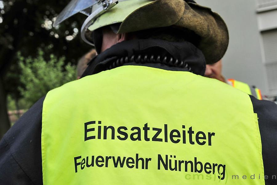 Nürnberg: Feuerwehr behindert + angegriffen